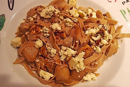 Pasta mit Birnen-Walnusssauce 7
