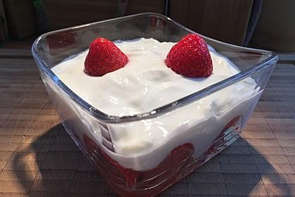 Mascarpone - Dessert mit Erdbeeren 3