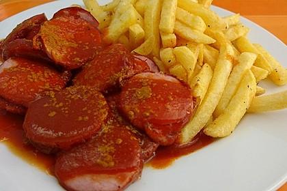 Currywurst mit Pommes 7