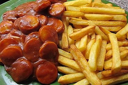 Currywurst mit Pommes 4