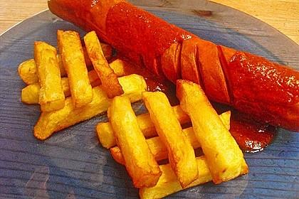 Currywurst mit Pommes 10