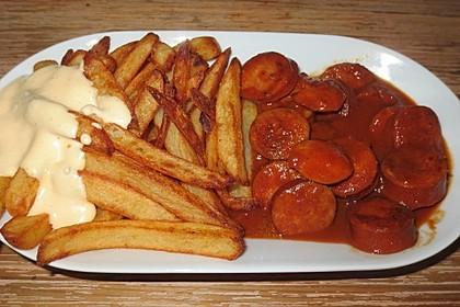 Currywurst mit Pommes 8