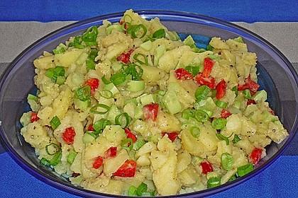 Kartoffelsalat mit Essig und Öl 3