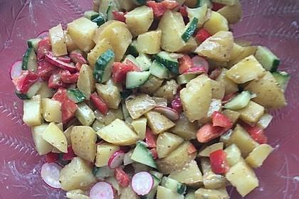 Kartoffelsalat mit Essig und Öl 6