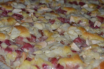 Wandelbarer Blechkuchen mit Butter - Mandelkruste 3