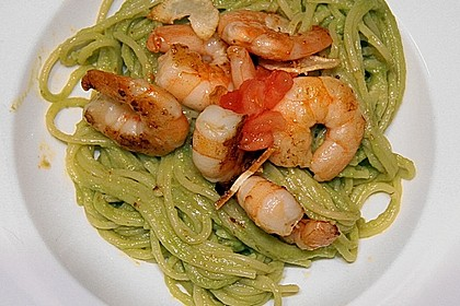 Spaghetti mit Avocado und Garnelen 2