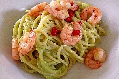 Spaghetti mit Avocado und Garnelen 1