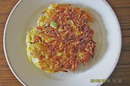 Riefkoken mit Kochschinken und Lauzwiebeln 3