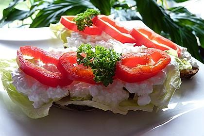 Brote mit Salat - Frischkäsebelag