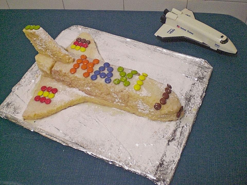 Geburtstagskuchen Als Spaceshuttle Oder Raketenkuchen Von Sanijo