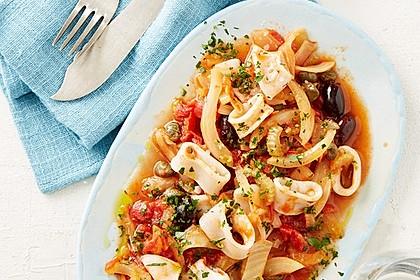 Tintenfisch in scharfer Tomatensauce