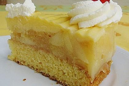 Apfeltorte mit Pudding - Eierlikör - Guss 13