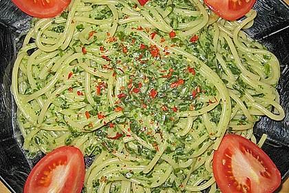 Spaghetti in Frischkäse - Spinat - Soße