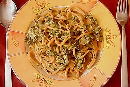 Spaghetti in Frischkäse - Spinat - Soße 12