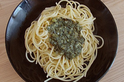 Spaghetti in Frischkäse - Spinat - Soße 13
