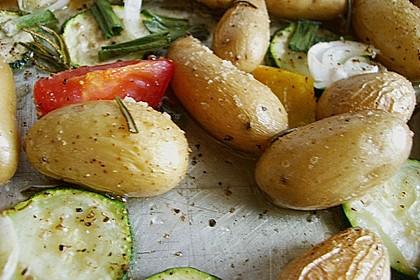 Ofenkartoffeln mit mediterranem Gemüse 11