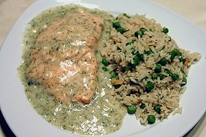 Lachsfilet in feiner Dillsauce, mit Reis