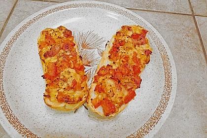 Yvonnes Party - Tomaten - Zwiebel - Mozzarella - Speck - Brötchenscheiben