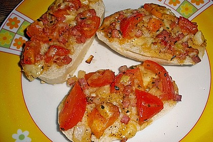 Yvonnes Party - Tomaten - Zwiebel - Mozzarella - Speck - Brötchenscheiben 4