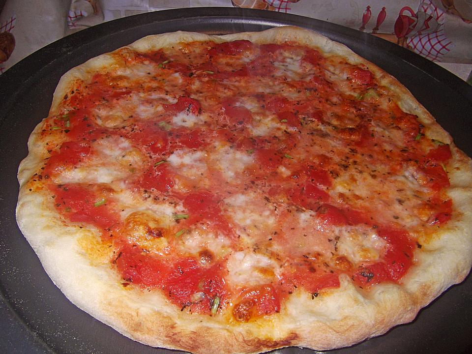 Pizzateig Mit Wenig Hefe Von Iobrecht Chefkoch