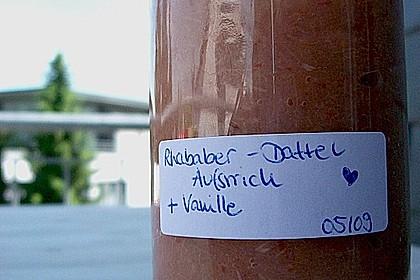 Rhabarber - Dattel - Creme