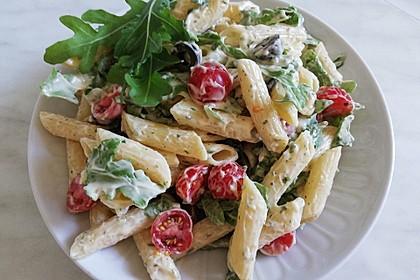 Italienischer Nudelsalat mit Tomaten und Rucola 1