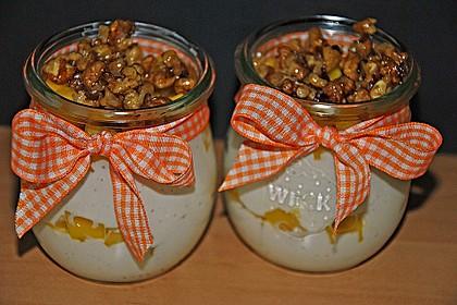 Mango - Quark - Dessert mit Walnüssen 1