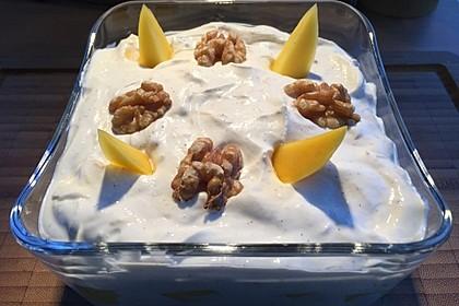 Mango - Quark - Dessert mit Walnüssen 10