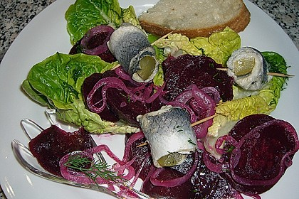 Rote Bete - Salat mit Rollmops 1