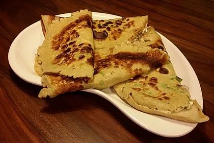 Sommerpfannkuchen mit Zucchini - Knoblauch - Frischkäse - Füllung 24