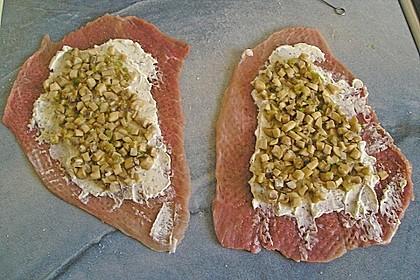 Schweineroulade mit Pilz - Käsefüllung und Baconhülle 6