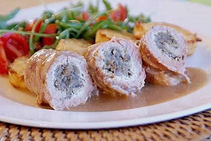 Schweineroulade mit Pilz - Käsefüllung und Baconhülle 2
