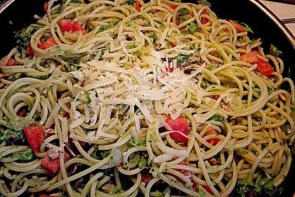 Spaghetti mit Zucchini 8