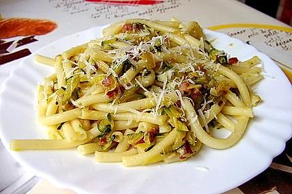 Spaghetti mit Zucchini 1