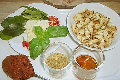 Gebratenes Hühnchen mit roter Currypaste & Cashewnüssen 5