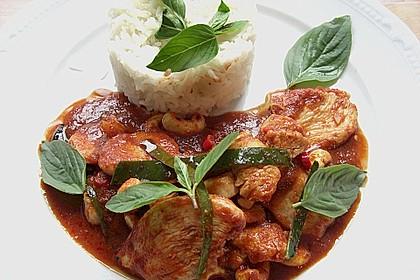 Gebratenes Hühnchen mit roter Currypaste & Cashewnüssen 1