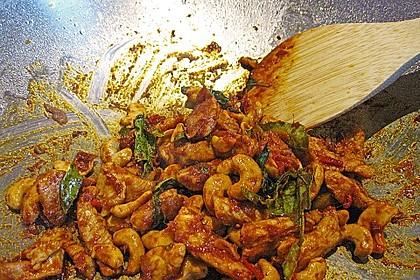 Gebratenes Hühnchen mit roter Currypaste & Cashewnüssen 9