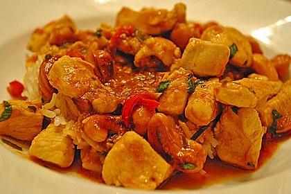 Gebratenes Hühnchen mit roter Currypaste & Cashewnüssen