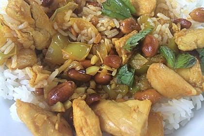 Gebratenes Hühnchen mit roter Currypaste & Cashewnüssen 2