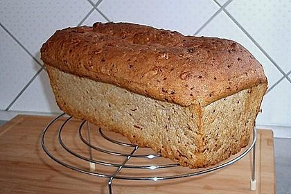 Würziges Kartoffel - Walnuss - Brot