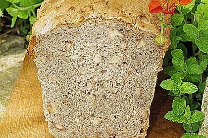 Würziges Kartoffel - Walnuss - Brot 3
