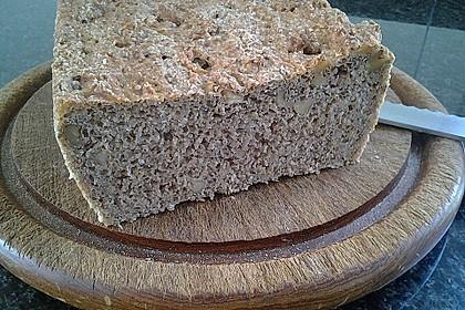 Würziges Kartoffel - Walnuss - Brot 2