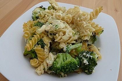 Brokkoli - Käse - Nudelauflauf