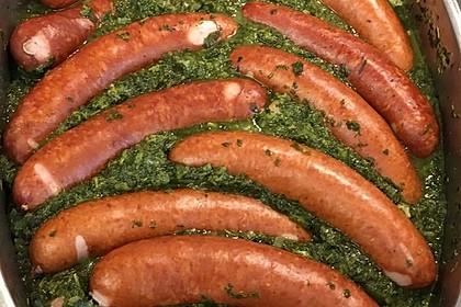 Grünkohl mit Kasseler, Mettwürstchen und Kartoffeln (Bild)