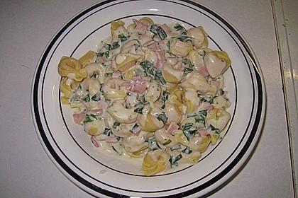 Tortellini in Schinken - Käse - Sahne - Soße 7