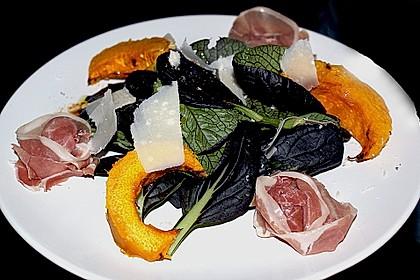 Salat mit gebackenem Kürbis, Prosciutto und Parmesan 2