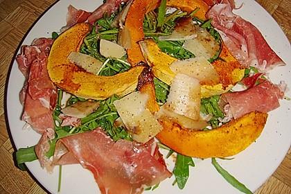 Salat mit gebackenem Kürbis, Prosciutto und Parmesan 3