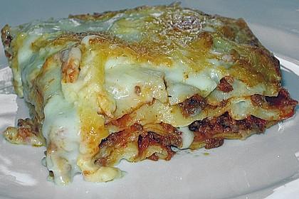 Lasagne alla Bolognese mit Béchamelsoße 12