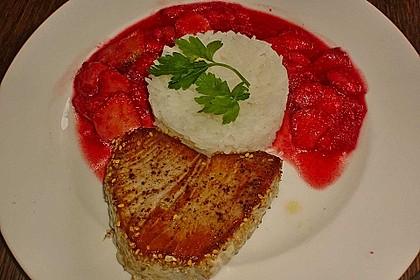 Thunfischsteak mit pikanten Gewürz - Erdbeeren 2