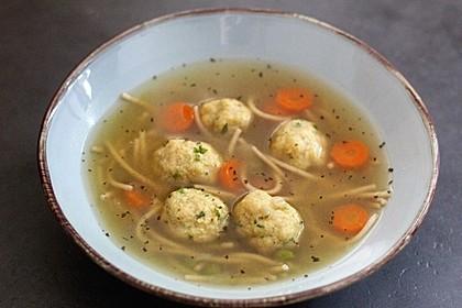 Grüne Semmelklößchen als Suppeneinlage 1